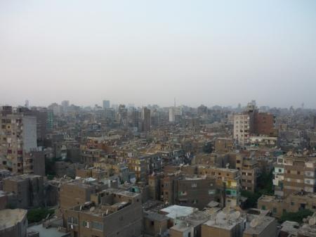 Permandangan di Mesir yang diambil dari atas bangunan kediaman pelajar-pelajar tahun satu Universiti Kaherah